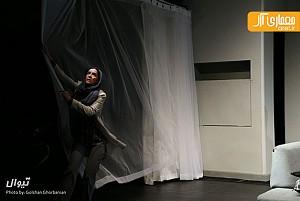 سه شنبه های تئاتر: نمایش هفت خوان هملت، نمایش نگاهمان می کنند و فیلم تئاتر بازی استریندبرگ