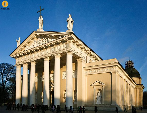 [تصویر:  Vilnius_Cathedral_Facade.jpg]