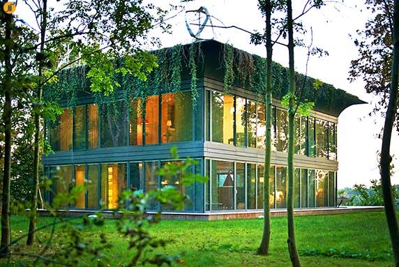 معماری اکوتک: این خانه 50 درصد بیشتر از انرژی مصرفی خود، انرژی تولید می کند.