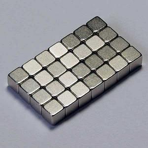 متریال: ابر آهن رباهای کوچک (Mega Magnets)
