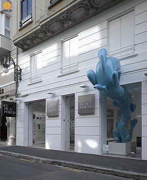 قطره ی آب، مجسمه ای برای فروشگاه لوازم حمام