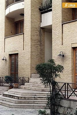 معماری و طراحی مجتمع مسکونی کامرانیه توسط فرامرز شریفی