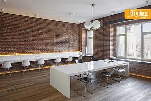 طراحی داخلی دفتر کار یک آژانس، مینیمال و فلت