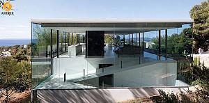 معماری و طراحی ویلای ساحلی: خلق فضایی شفاف و بی انتها