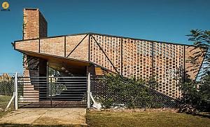 معماری ویلای آخر هفته در تعامل کامل با طبیعت