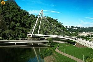 طراحی پل بر روی کانال بارا توسط سانتیاگو کالاتراوا