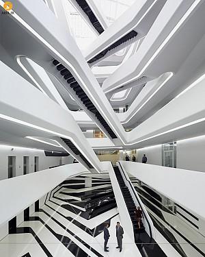 طراحی داخلی ساختمان اداری Dominion توسط زاها حدید