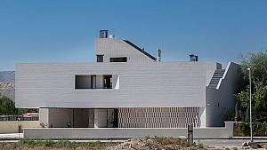 ویلای حیاط مرکزی فلاحتیان، رتبه دوم جایزه معمار 95