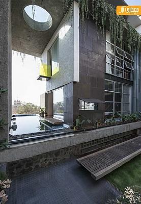 معماری و طراحی داخلی خانه ای با استفاده از متریال بازیافت شدنی