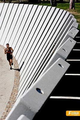 طراحی مرکز ورزشی عابرین پیاده و دوچرخه سواران