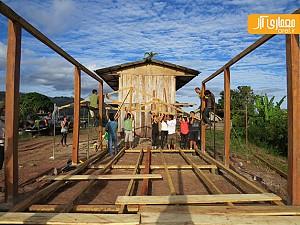 معماری و طراحی مدرسه با استفاده از متریال بومی در آمازون