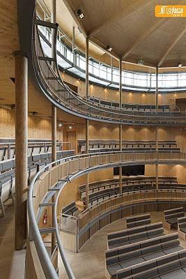 معماری و طراحی داخلی آمفی تئاتر با ساختار چوبی