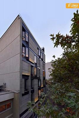 معماری و تنوع هندسی نمای  این آپارتمان مسکونی واقع در تهران