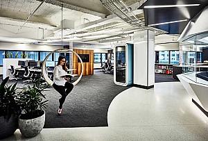 طراحی داخلی دفتر اداری شرکت معماری آکسیوم (Axiom)