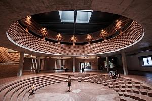 نگاهی به موزه هنر با متریال آجر، از لنز دوربین  He Lian
