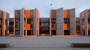 کلاسیک های معماری: انستیتو زیست شناسی سالک اثر لویی کان