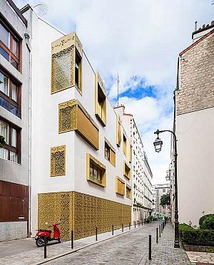آپارتمان پاریسی با نمای طلایی