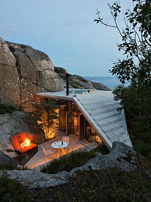 کلبه ای در دل صخره