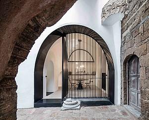 طراحی داخلی غار مدرن با کاربری مسکونی