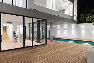 معماری مینیمال خانه امین با سادگی بتن اکسپوز در لواسان