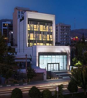 طراحی ساختمان اداری تجاری فرمانیه با نمای متحرک