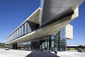 معماری مرکز حمل و نقل پردیس دانشگاه آیووا