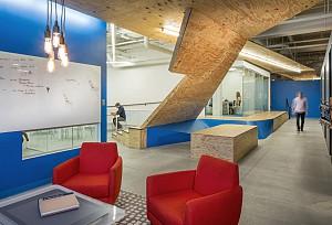 استفاده از نواقص سازه ای در طراحی داخلی دفترکار