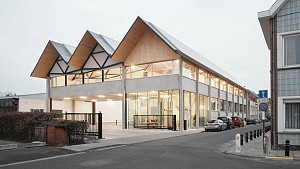 طراحی یک کارخانه در تناسب با بستر و بافت منطقه مسکونی اطراف