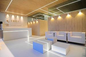 طراحی داخلی کلینیک پوست با تأثیرپذیری از فعالیت های درون فضا