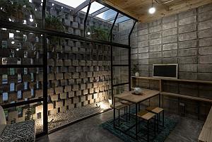 معماری خانه با بلوک بتنی با تاثیرپذیری از پاکت نامه