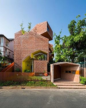 معماری مهدکودک با کانسپتی از بازی لگو