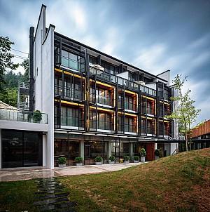 معماری هتل SIXX با منظره پانوراما