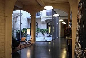 طراحی هتل با بافت قرون وسطا