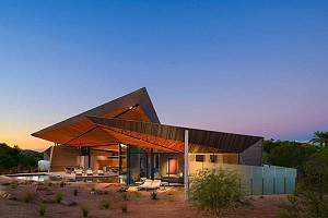 طراحی ویلای کویری با تجلیل از طبیعت و معماری