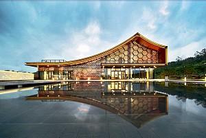 طراحی باشگاه تفریحی: تلفیقی از معماری مدرن و سنتی چین