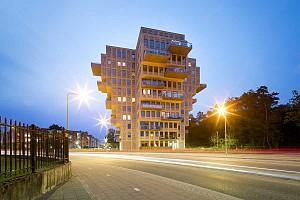 طراحی برج مسکونی با کانسپت صلیبی