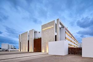 طراحی و معماری مدرسه :  دیواری از دانش
