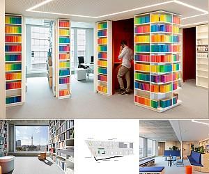 طراحی داخلی انتشارات با هزاران کتاب در دیوارها و ستون ها !
