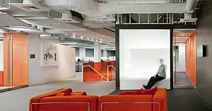 نگاهی به طراحی دفتر مرکز تکنولوژی شرکت مسافرتی-نرم افزاری