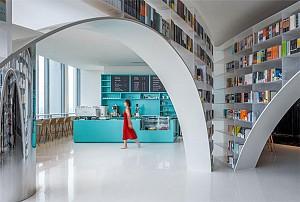 طراحی داخلی کتابفروشی در یکی از  بلندترین برج های شانگهای!