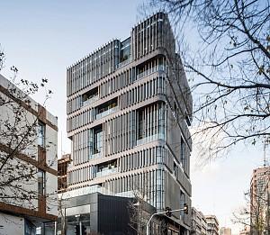 ساختمان اداری vira  |دفتر معماری علیدوست و همکاران