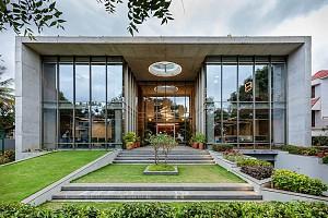 معماری و طراحی ساختمان اداری  پایدار با متریال های سبز