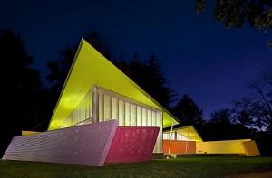 معماری عمارتی در جزیره Shelter از گروه بیگ