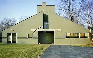 کلاسیک های معماری : خانه وانا ونتوری اثر رابرت ونتوری +  پلان