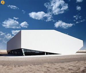 طراحی مدرن سالن ورزشی نور مبین