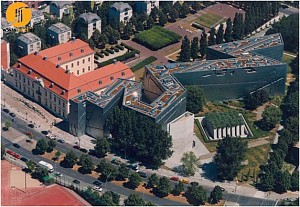 مروری بر موزه یهود برلین  اثر دنیل لیبسکیند