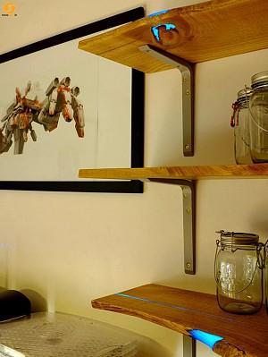 خلاقیت در به کار گرفتن رزین های درخشنده در قفسه ها و سطوح