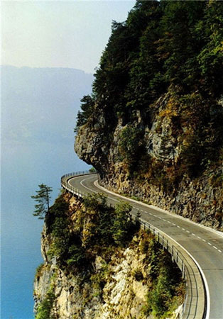 جاده،جاده های خطرناک،خطرناک ترین جاده ها