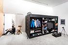 طراحی و ساخت جعبه ای که می توان درون آن زندگی کرد