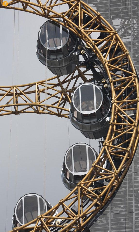 طراحی و معماری چرخ و فلک به شکل هشت برای اولین بار در دنیا